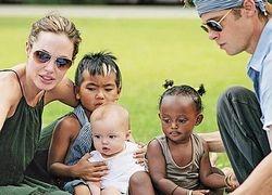 Хотите узнать больше об Анджелине Джоли - прочитайте ее книгу