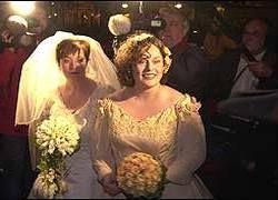 Церковь разрешила однополые браки