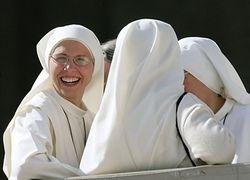 Монашеский хор популярнее мировых поп-звезд