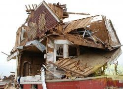 Последствия торнадо во Франции