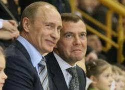 """Накануне \""""ста дней\"""" Медведев все еще в тени Путина"""