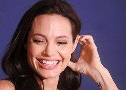 Анджелина Джоли построит клинику в Эфиопии