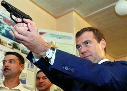 Почему Медведев так долго молчал?