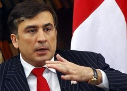 """Саакашвили предложил \""""немедленно остановить огонь\"""""""