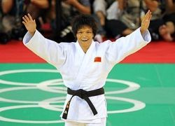 Дзюдоистка принесла Китаю пятую золотую медаль Игр-2008