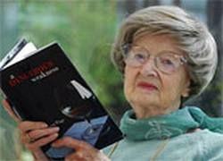 Дебютный роман 93-летней англичанки стал бестселлером