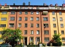 В столице Швеции продается квартира с жильцом