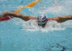 Австралийка Райс выиграла золото в плавании, установив мировой рекорд