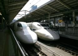 Европейцы пересаживаются с самолетов на поезда