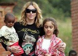 Мадонна готовит себе на юбилей в качестве подарка ребенка