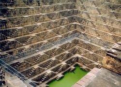 Ступенчатый колодец в Индии