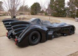 Американец построил в гараже «Бэтмобиль»