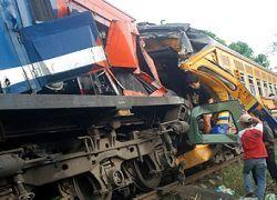 В Индонезии столкнулись поезда