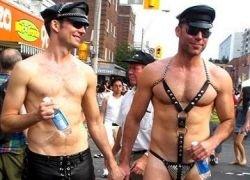 Британская разведка возьмет на работу геев и лесбиянок