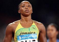 Ямайские бегуньи выиграли все медали в стометровке