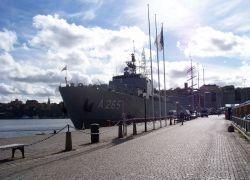 Швеция приостанавливает сотрудничество с РФ в области обороны