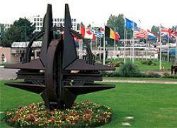 Российская угроза парит над разобщенным НАТО