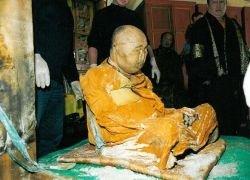 Нетленный лама: он и сейчас живее всех мертвых