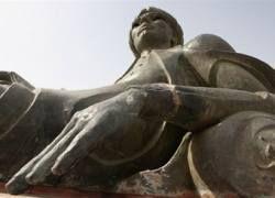 """В Багдаде починили статую царя из \""""Тысячи и одной ночи\"""""""