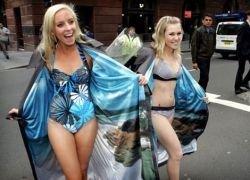 Эксгибиционистки рекламируют отдых в Австралии