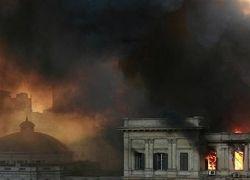 Сгорело здание египетского парламента
