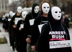 Противникам войны в Ираке заплатят $2 млн за незаконный арест