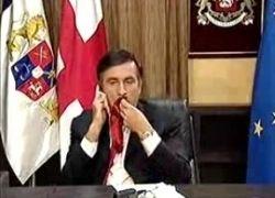 Россияне собирают галстуки для Михаила Саакашвили