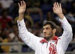 Бувайсар Сайтиев стал трехкратным олимпийским чемпионом
