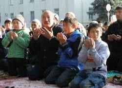 Большинство жителей Киргизии хотели бы присоединиться к России