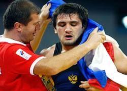 Борец Мурадов завоевал еще одно золото для России