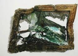 Американская художница показала обгоревшие работы