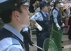 В центре Токио полиция устроила погоню за дикой макакой