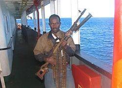 Сомалийские пираты захватили третье судно за сутки