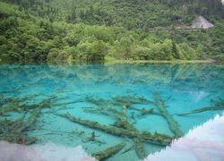 25 фотографий самых красочных озёр Земли