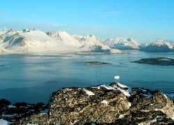 От Гренландии откалывается ледник площадью 23 кв. км