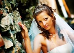 Дизайнеры советуют выходить замуж с целым гардеробом платьев