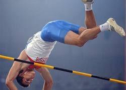 Россиянин завоевал серебро Олимпиады в прыжках с шестом