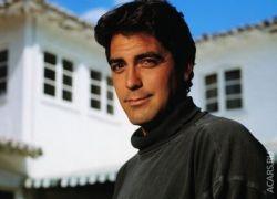 Джордж Клуни разбил машину поклонницы и купил ей новую