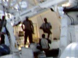 Моряки вступили в перестрелку с сомалийскими пиратами