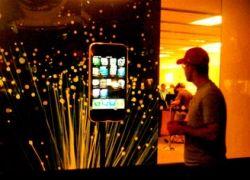 Как iPhone приходит в Россию?