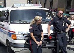 В США полиция арестовала актеров, приняв их за грабителей