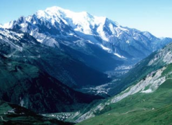 Пропавших на Монблане альпинистов объявили погибшими