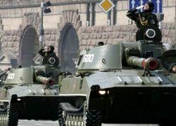 Виктор Ющенко ввел в Киев танки в честь независимости Украины