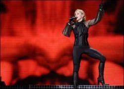 Мадонна уподобила Маккейна Гитлеру и Мугабе