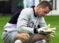 Вратарь австрийского клуба оглох от брошенной на поле петарды