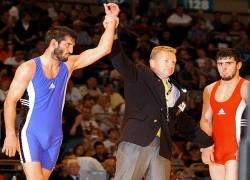 Кадыров подарил олимпийским чемпионам квартиры и по 500 тыс долл