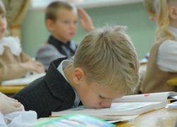 Школьные хулиганы негативно влияют на успеваемость других учеников