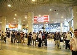 Почему тысячи пассажиров застряли в аэропортах России?