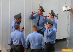 Шесть офицеров РОВД отданы под суд за взятки и торговлю наркотиками