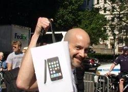 Зачем в Польше нанимали актеров для продажи iPhone?